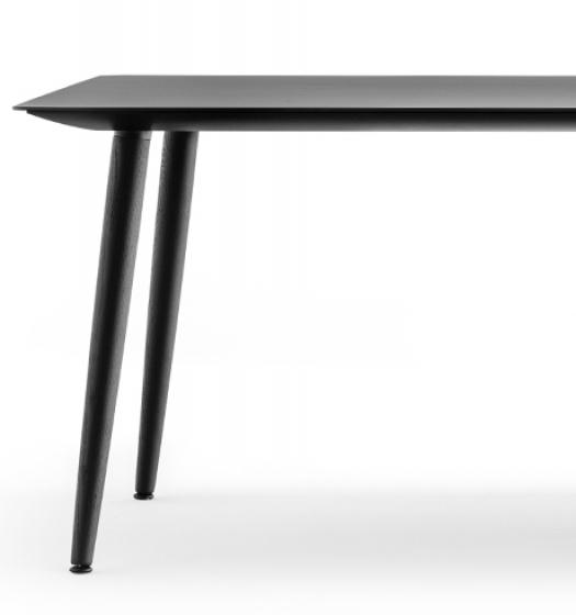 Table 4 pieds Babila Pedrali frene Plateau Fenix bois multiplis