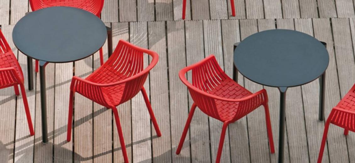Table 4 pieds Jump Pedrali aluminium compact hotel bar café