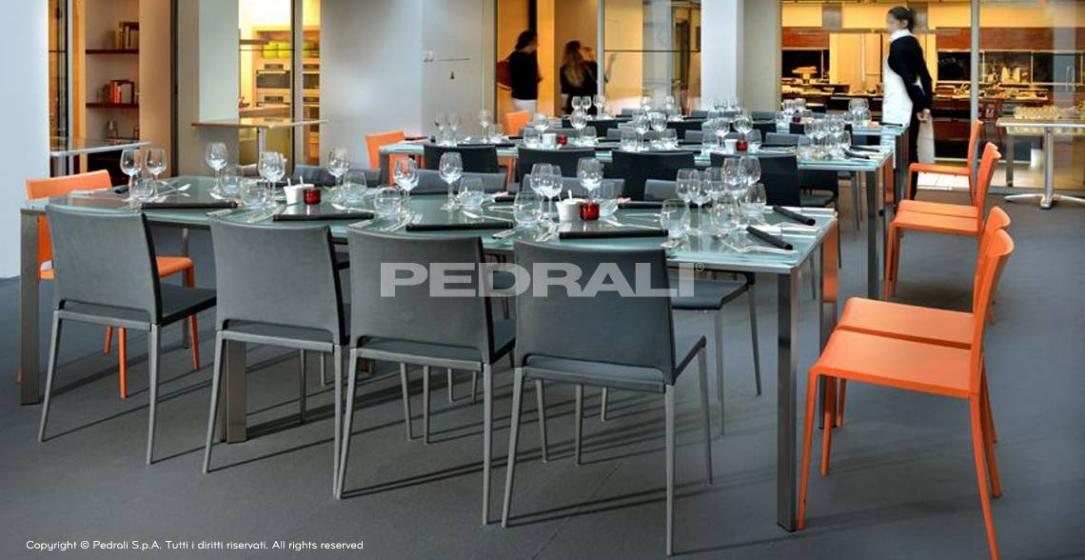 Table 4 pieds Logico Pedrali inox verre
