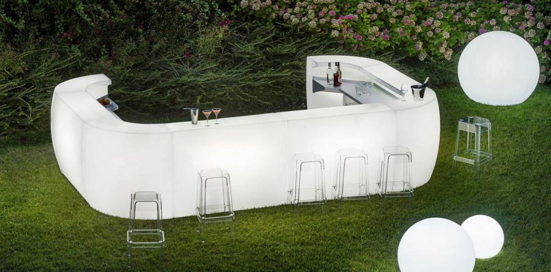 Comptoir de bar Igloo Pedrali mobilier lumineux transparent plastique