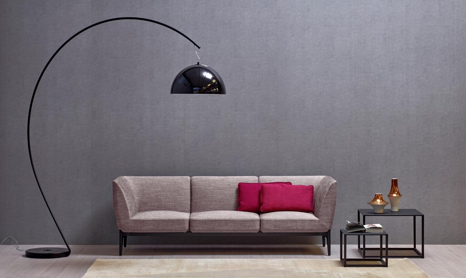 Salon Noir Blanc Jaune lampadaires excentré l002t alberto basaglia pedrali design