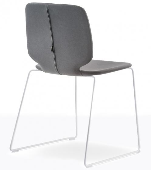 Chaise Babila Pedrali acier frene bois multiplis empilable mobilier