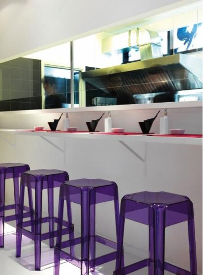 Tabouret Rubik Marco Pocci Pedrali blanc , noir, violet, rouge, transparent, gris, chocolat empilable resine