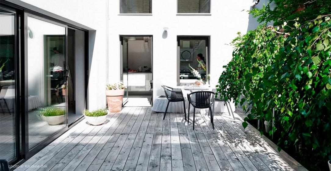 Fauteuil Bridge Tatami 306 Pedrali résine extérieur design empilable noir blanc vert gris chocolat beige rouge