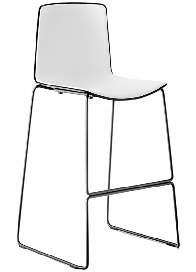 Chaise haute empilable Tweet Marc Sadler Pedrali acier tube coque resine plastique