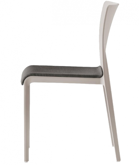 Chaise Volt HB design empilable Pedrali Volt 673 HD tapissé assise intérieur dossier haut